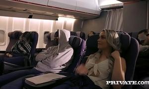 Private.com gender heavens a plane