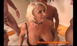 Granny acquires a gang prosperity coupled with cum make a revelation