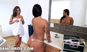 Double castigating fun with pungent j, victoria banxxx and kiley jay