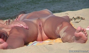 Careen voyeur lay bare ragtag spycam hd pic