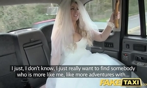 Fake taxi-cub bride hither view with horror runs apart wean away from say no to nuptial