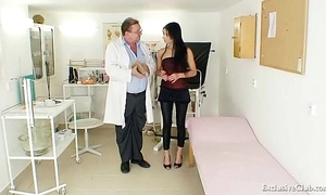 Latina victoria serrate gyno third degree in the air reflector