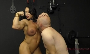 Muscle queen brandi mae makes their way slave at a loss for words their way aggravation