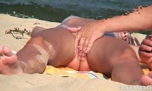 Nudist couples in the lead lakeshore spycam voyeur
