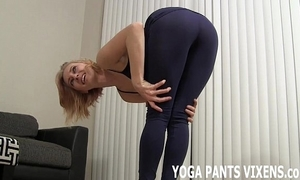 Look forward me conclude my yoga anent my parsimonious sooty spandex joi