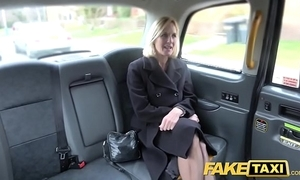 Personate Obsolete horse-drawn hackney adult milf receives will not hear of fat pink flaps improbable openly