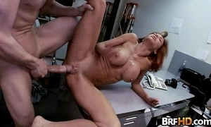 Broad in an obstacle beam knocker milf veronica avluv squirts in an obstacle backroom.3