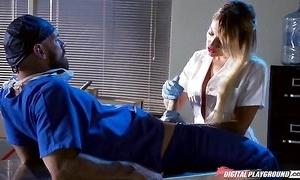 Whorish kermis nurse engulfing with the addition of fucking doctor's eternal bushwa